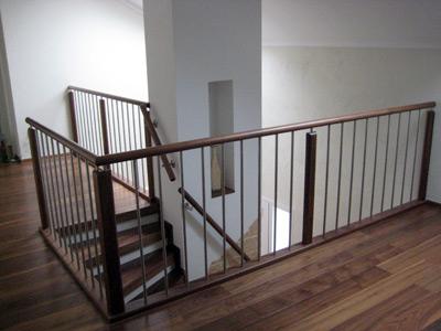 niermann treppen holztreppen der g teklasse i din 4076. Black Bedroom Furniture Sets. Home Design Ideas